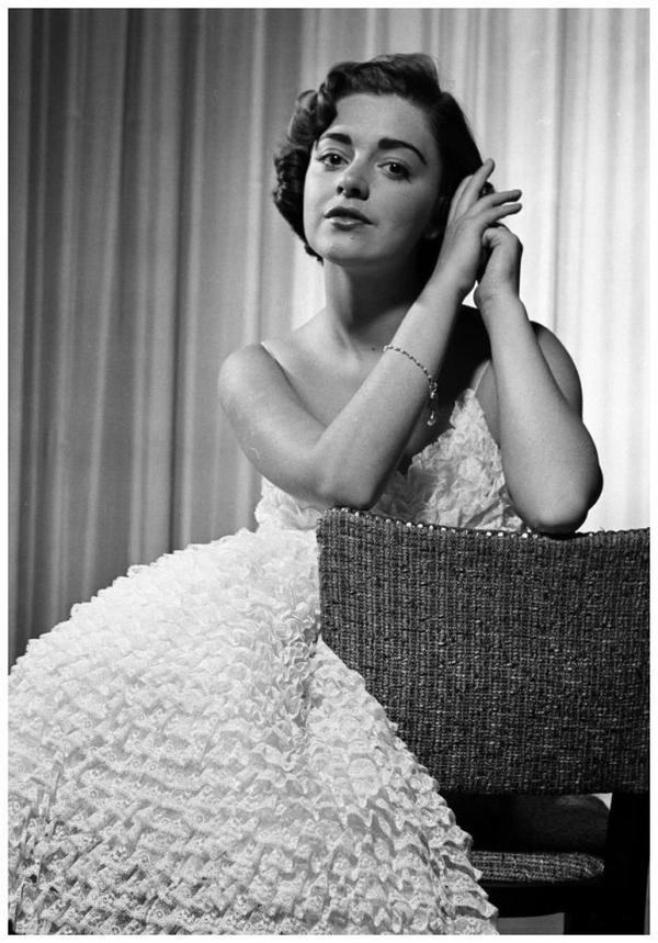 Anna Maria ALBERGHETTI '50 (15 Mai 1936) - RARE PIX VINTAGE ACTRESSES