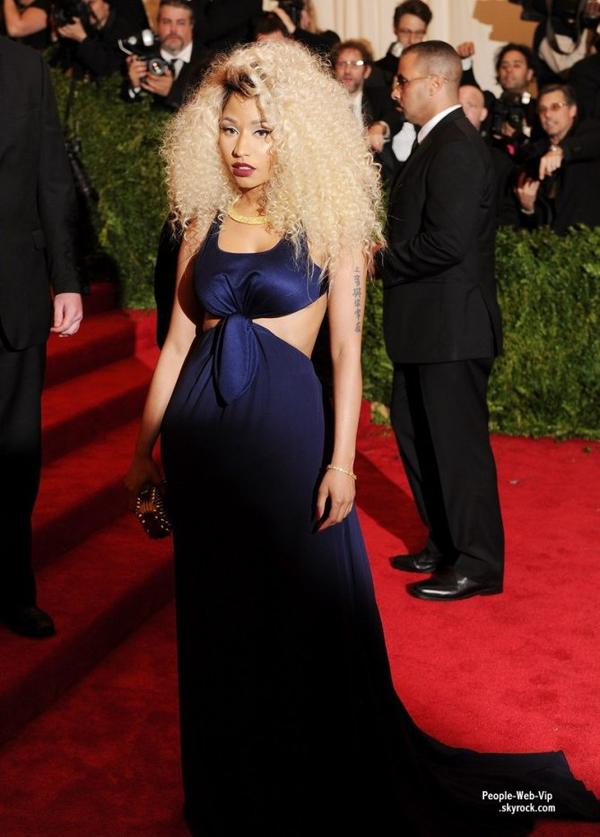    LE TAPIS ROUGE DE LA CRMONIE DES MET GALA 2013 ! OU TROUVER LES PIRES LOOKS DES STARS ? C'EST BIEN AU MET GALA !     Nicki Minaj, Rita Ora, Jessica Alba, Jessica Biel, Katy Perry et encore Uma Thurman  (au Metropolitan Museum of Art, le lundi (le 6 mai)  New York.) 