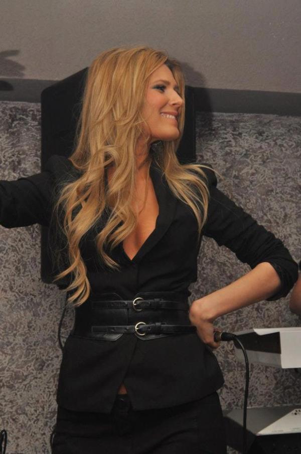 kaltrina selimi 2012 show bizi shqiptar